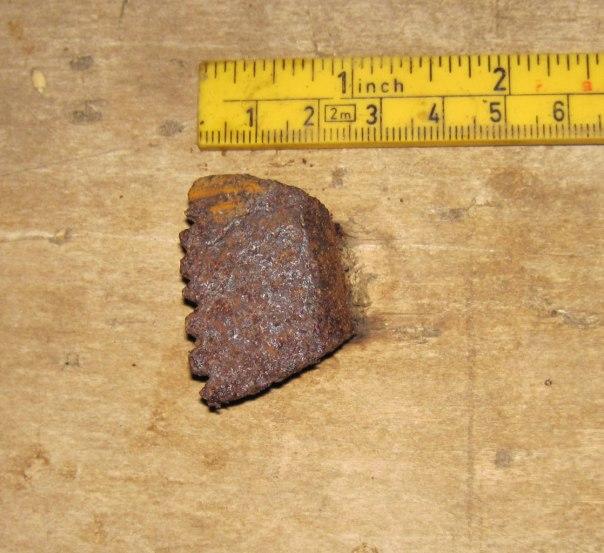 Benkehaken står fast i benkeplata på høvelbenken. Foto: Ryfylkemuseet