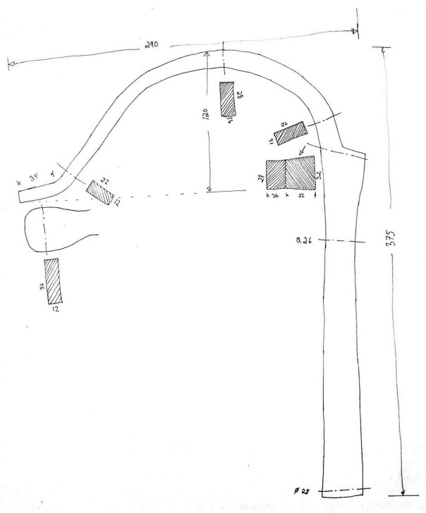A measured drawing of the old holdfast from Skåne. It seems to be a weld scarf at the upper part of the stem. This indicates that the stem are made of two parts that are forge welded together. Drawing: Tomas Karlsson