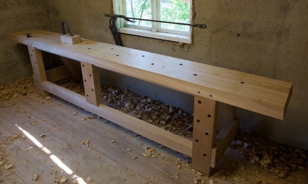 The bench almost finished. Photo: Roald Renmælmo