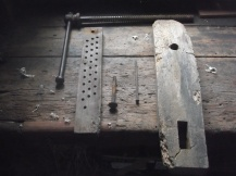 The original parts of the leg vise before restoring. Photo: Ernest Dubois