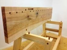 The bench top are fastened to the base with wooden pegs. Photo: Anton Nilsson