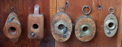 Thread boxes for making thread on wood screws. Photo: Roald Renmælmo